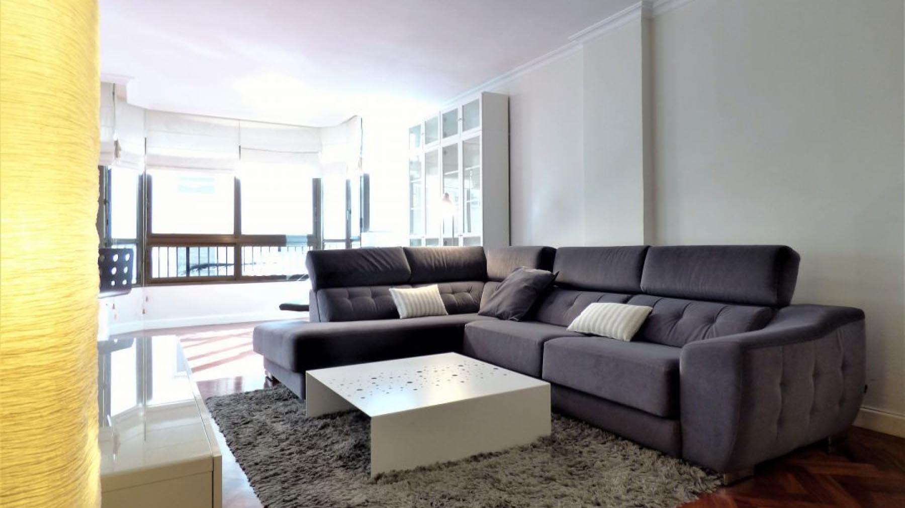 Аренда квартира в Испании 3 спальни в центре города Аликанте c паркингом