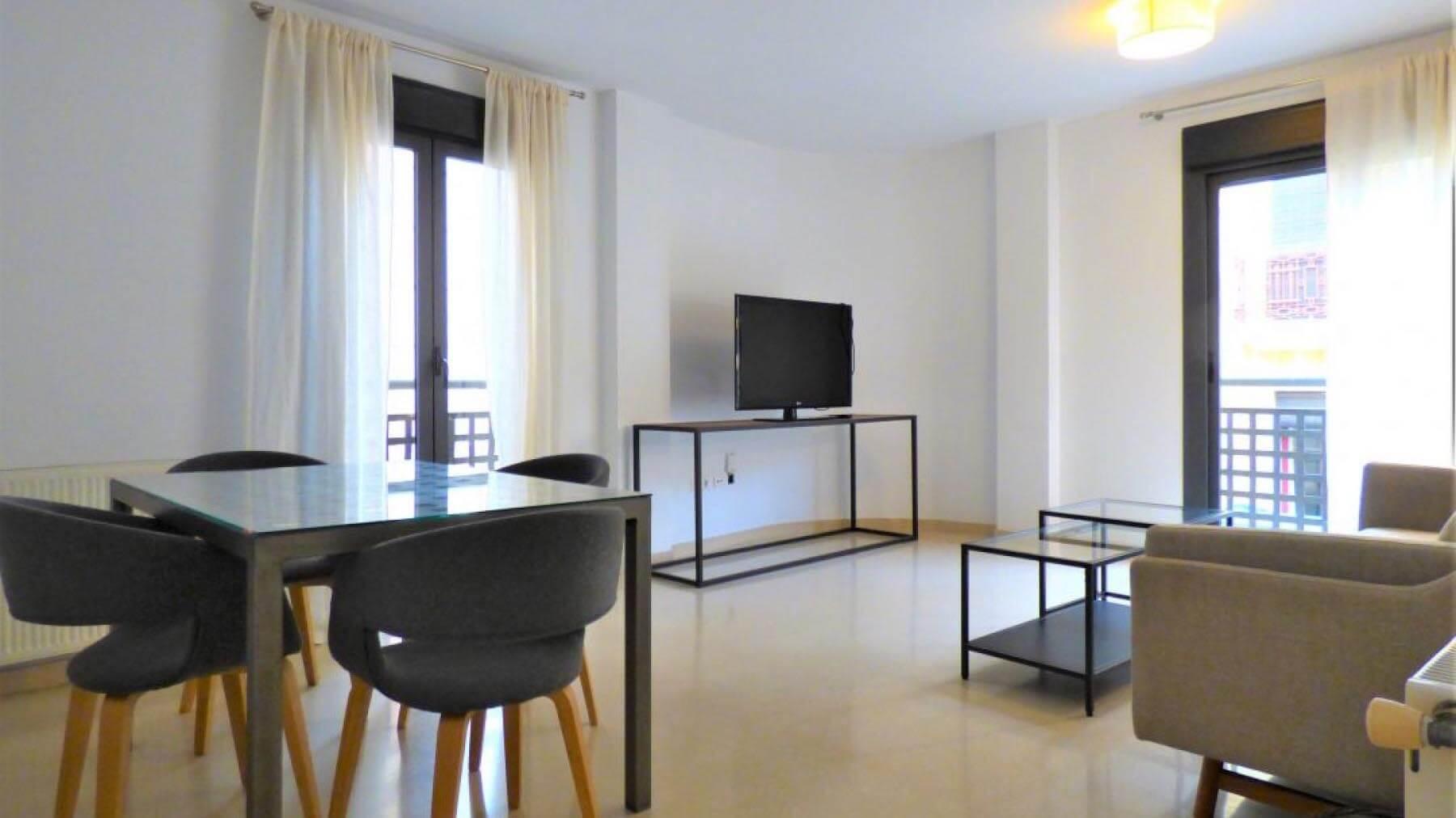 Аренда квартиры в Аликанте c 3-мя спальнями и парковочным местом
