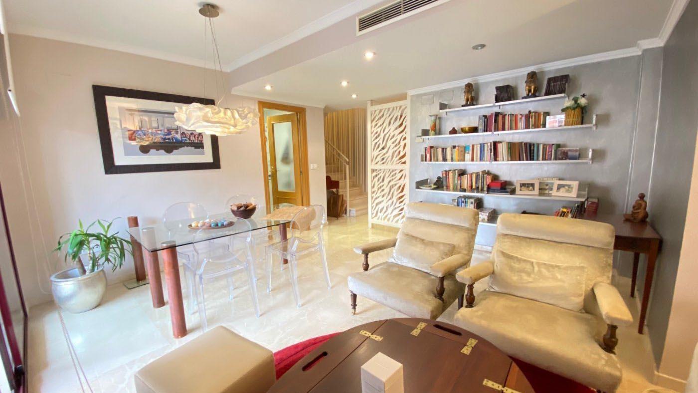 Аренда квартира в городе Valencia c 3-мя спальнями и собственной территорией